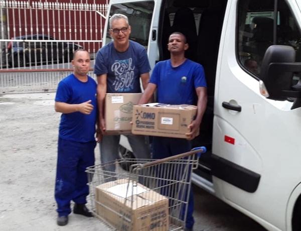 Entrega de Donativos para APAE-Rio
